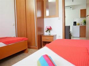 Schlafsofa 2 Personen : apartment a01 2 1 personen insel pag apartments ~ Whattoseeinmadrid.com Haus und Dekorationen