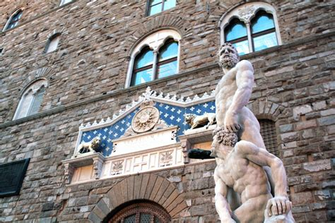 One of florence's most significant buildings is the palazzo vecchio, a grand palace overlooking the piazza della signoria. Palazzo Vecchio Tour - Political Intrigue with Historian ...