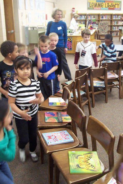 best 25 kindergarten library ideas on 821 | cea9b78d37d8ace5a81e64240afdd4b2 kindergarten library lessons kindergarten literacy