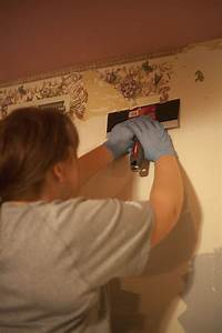Removing 40 Year Old Wallpaper