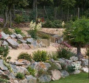 enrochement paysager securiser decorer habitatpresto With jardin en pente que faire 12 amenagements exterieurs services de construction