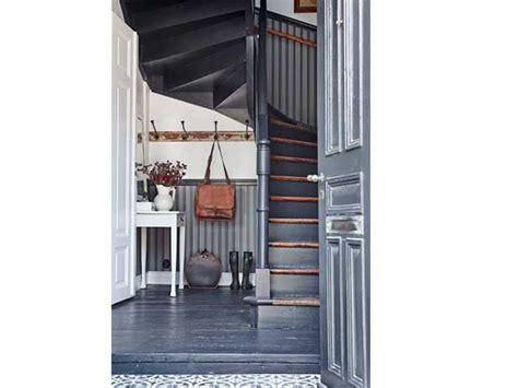 cage descalier  idees deco pour  bel escalier