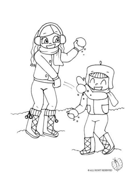 disegno  bambini che lanciano palle  neve da colorare