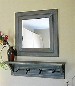 Bilder Für Wand : wandspiegel wei spiegel mit ablage und haken eingangsbereich spiegel w hrend wei e wand ~ Orissabook.com Haus und Dekorationen