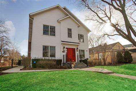 homes with 2 master suites park ridge home with two master suites 1 5m chicago