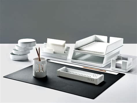 set de bureau design set de bureau en technopolymère babele by rexite design