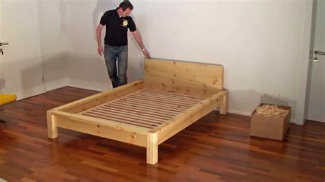 massivholz bett selber bauen ein zirbenbett der tischlerei gro 223 egger