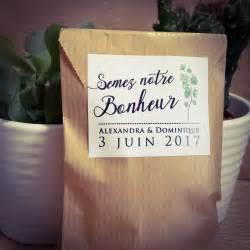 Cadeau Invite Mariage : pastilles et petits pois etiquette adhesive cadeau invite ~ Melissatoandfro.com Idées de Décoration