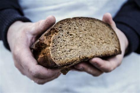 Par godu simtgadei, lūkos veicināt rudzu maizes ēšanas ...