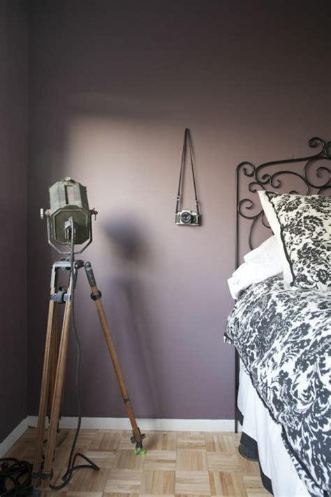 peinture prune chambre chambre couleur prune solutions pour la décoration