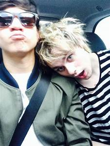 Calum Hood and Michael Clifford 5SOS | 5SOS | Pinterest