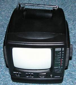 Tft Combined Colour Television And Monitor