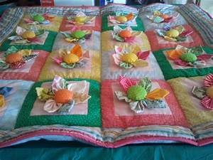 You have to see 3D Flowers Quilt by circle of five!