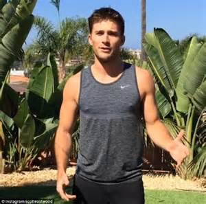 Shirtless Scott Eastwood whips Instagram into a frenzy ...