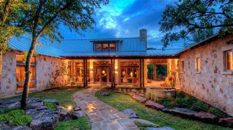 shaped ranch house dream home pinterest courtyards love  house