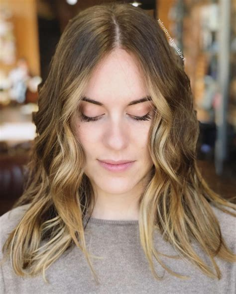 2020 Latest Medium Hairstyles For Round Faces