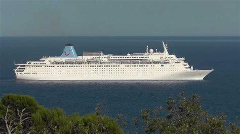 31 amazing The Thomson Dream Cruise Ship