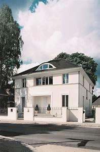 neubau einer klassischen villa mit zentraler halle cg With französischer balkon mit garten landschaftsbau berlin reinickendorf