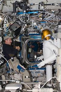NASA Recalls Robonaut for Repairs - autoevolution
