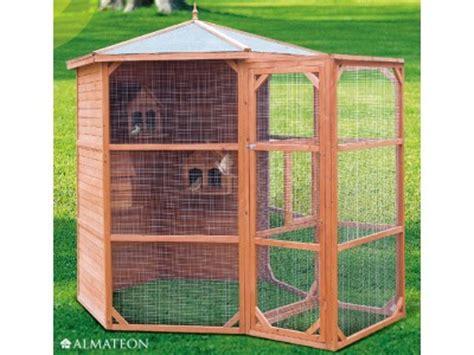 oiseaux en cage exterieur voli 232 re hexagonale en bois pour oiseaux avec sas d entr 233 e almateon