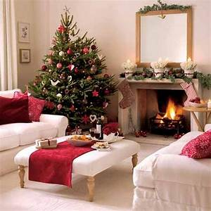 55 dreamy christmas living room decor ideas digsdigs for Christmas living room decorating ideas