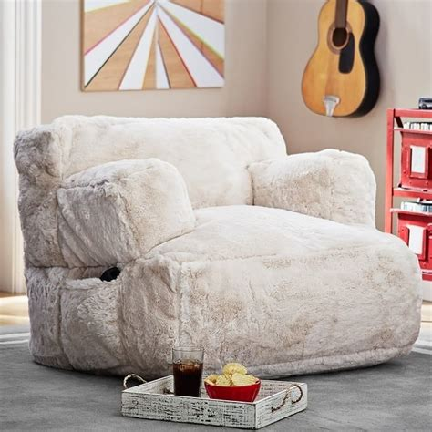 comfy lounge chairs for bedroom best 25 bedroom lounge chairs ideas on pinterest 18532 | e07371a6d6656b0b8ee3b4ec1bbeeac8 lounge sofa teen lounge