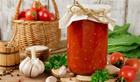 Receptes.lv - Svaigi tomāti ar ķiplokiem ziemai