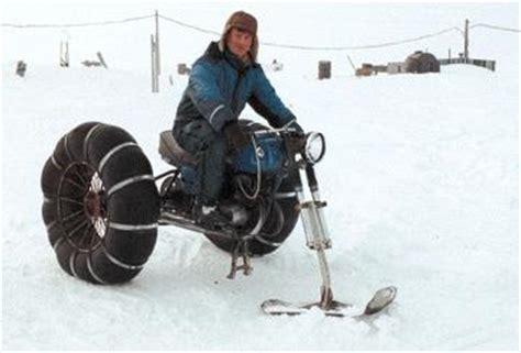 chambre à air moto moto neige en chambre à air gravure caoutchouc artistique