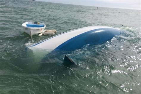 Boat Donation Alabama by Spends Savings On Alabama Boat It Sinks On