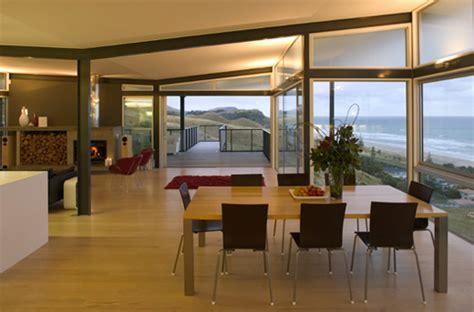 single storey  shaped beach house design okitu house  pete bossley digsdigs
