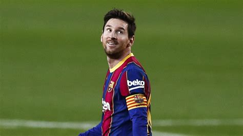 Messi surpasses Pele record - the astonishing numbers ...