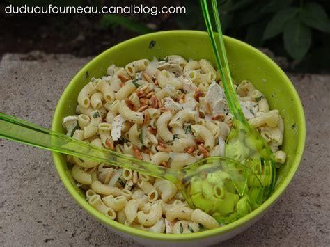 salade de pates poulet salade de p 194 tes au poulet et basilic dudu au fourneau
