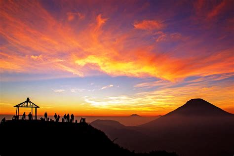 borobudur  dieng plateau  package updated