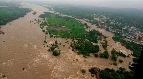 Flood threat in 3 Telangana districts as Godavari river ...
