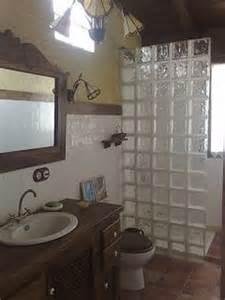 small half bathroom designs 1000 images about baños on small bathrooms