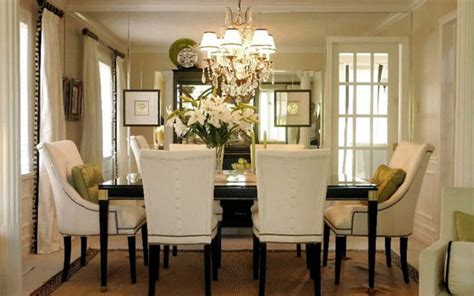 Dining room before  Making Houses Beautiful