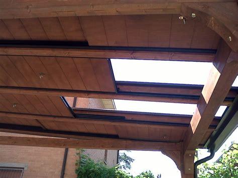 tettoie scorrevoli pergola in legno lamellare con copertura mobile a pannelli