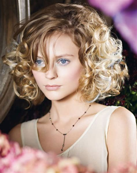 20 best short curly haircuts short hairstyles 2017 2018 most popular short hairstyles for 2017