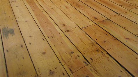 fix squeaky floorboards with cornstarch