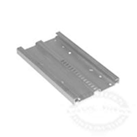 Jamestown Boat Supplies by Plastic Universal Mounting Plate