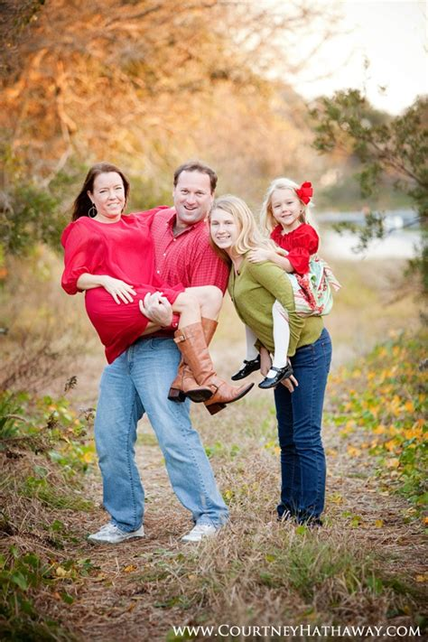Fun Family Portraits Poses Family Portraits Outer Banks ...