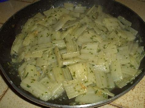 blette cuisine les côtes de blettes à la sauce blanche une recette facile