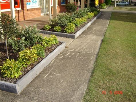 lawn edging material landscaping ideas landscaping borders and landscaping on pinterest