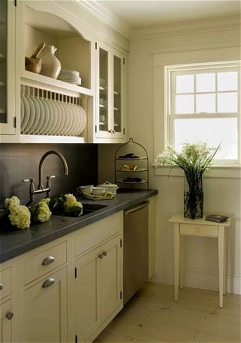 kitchen cabinet trends custom design  maximize  storage space