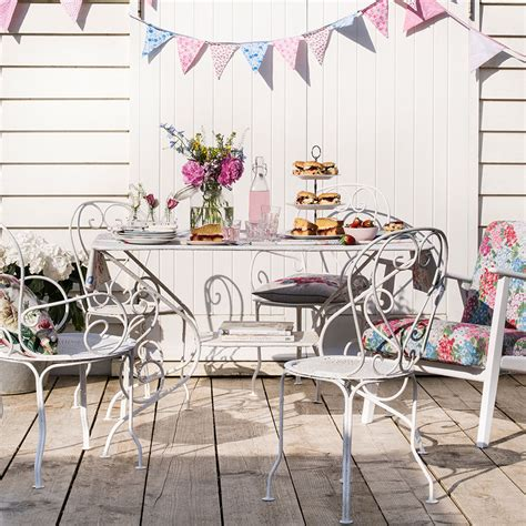how to clean and restore garden furniture