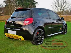 Renault Clio 3 Occasion : renault clio iii 2 0 16v 203 rs red bull racing rb7 n 296 ~ Voncanada.com Idées de Décoration