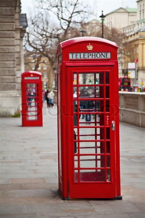 beruehmten roten telefonzelle  london uk stockfoto