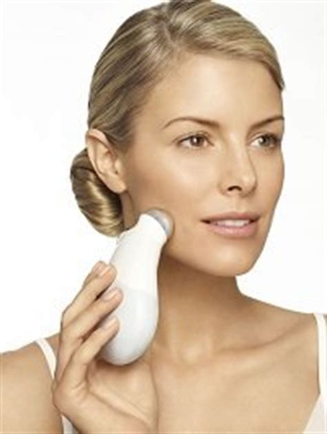 Amazon.com: NuFACE Trinity Facial Trainer Kit, White