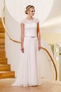 Lindegger Küss Die Braut : k ss die braut kollektion 2017 hochzeitsblog the little wedding corner ~ Yasmunasinghe.com Haus und Dekorationen