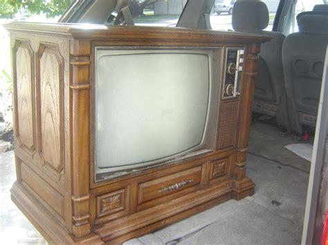 tv hutch trash to treasure cabinet to hutch makeover